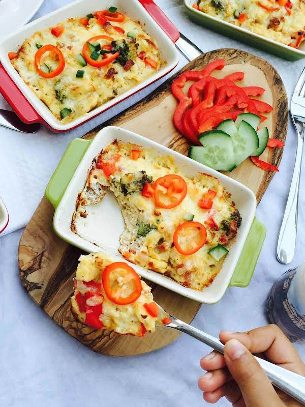 Baked Broccoli, Cheese And Pepper Omelette Recipe