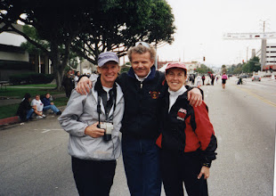 Photo: Cheryl, Bill Scobey, Jacqueline Hansen - 2001 Western Hemisphere Mara. Culver City