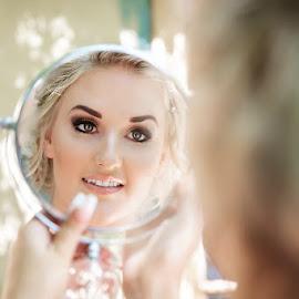 Mirror Mirror by Lyndie Pavier - Wedding Getting Ready