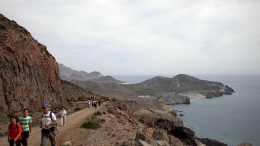 Los senderistas tienen una cita en La Molata.