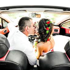Wedding photographer Andrey Yustenyuk (andvikk). Photo of 11.07.2015