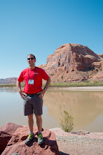 Photo: Rabbi Evon Yakar at the Adventure Rabbi Passover Seder & Retreat in Moab, Utah.