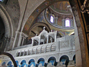 Photo: Looking again towards the dome in the Church of the Holy Sepulchre