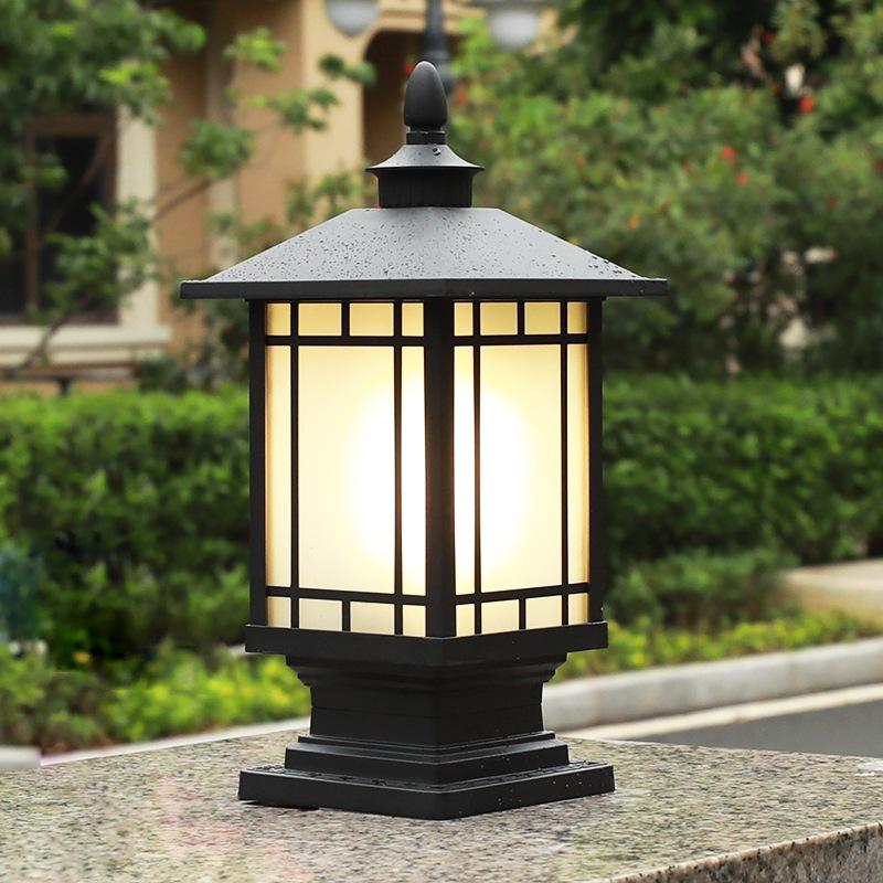 Đèn trụ cổng NLMT hình tháp vuông