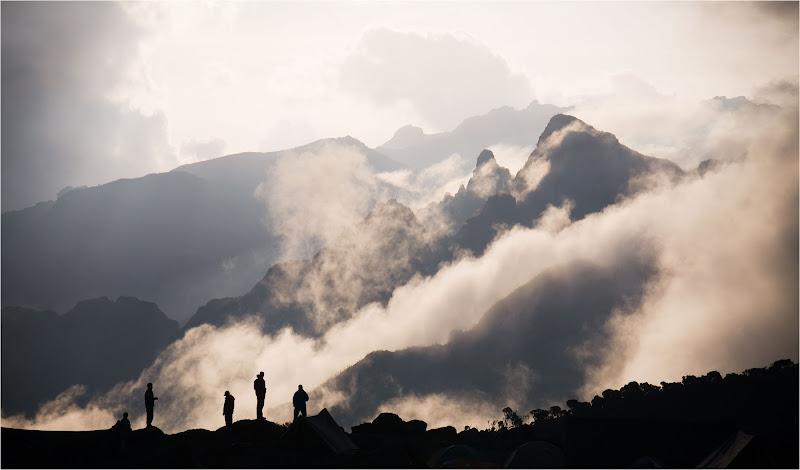 dietro a noi, solo nebbia e fatica... di Maxsalut