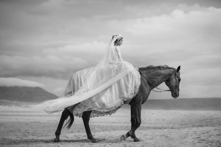 Wedding photographer Linda Vos (lindavos). Photo of 12.02.2020