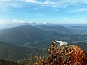 Photo: Travelbug pro hru geocaching na Lysé, chvíli před vložením do keše.