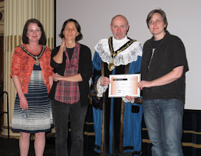Photo: LiNK Notts organisers receive an award