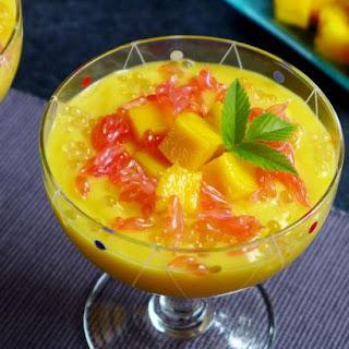 Mango Sago With Grapefruit (杨枝甘露).