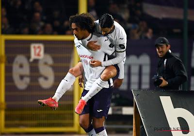 Kompany stuurt zwaar geschut naar La Louvière en Anderlecht maakt er een doelpuntenfestival van