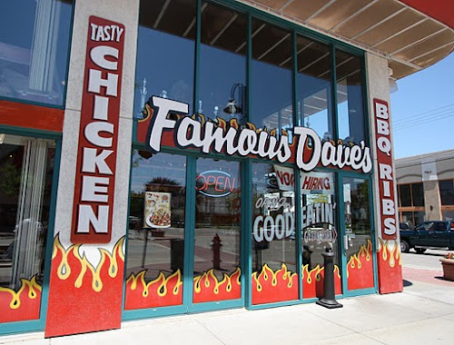 Photo Famous Dave's
