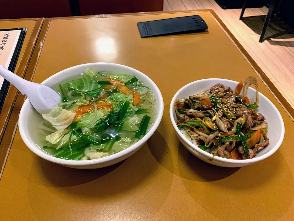 2020年四大麺4杯目 明明家 ミニ野菜温麺・ミニ牛焼肉丼セット