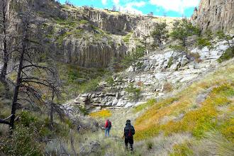 Photo: Eagle Sandstone below the darker igneous rock