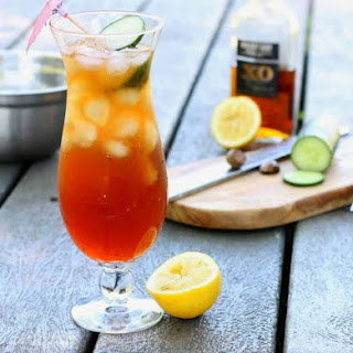 Caribbean Rum Punch (The Perfect Summer Cocktail).