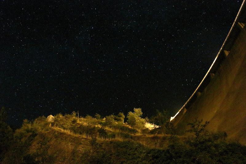 Di notte ai piedi della diga di roberto_rusticali