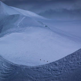 immensity by Carlos Kiroga - Landscapes Mountains & Hills ( brave, clouds, mountains, cold, ice, snow, travel, people, alpes, alpine )