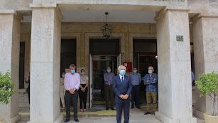 El subdelegado de Gobierno, Manuel de la Fuente, presidió el minuto de silencio en la sede de la Subdelegación de Gobierno.