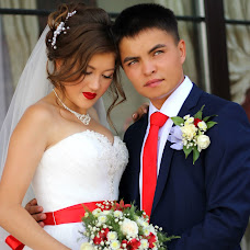 Wedding photographer Lina Astakhova (lionella56). Photo of 30.04.2017