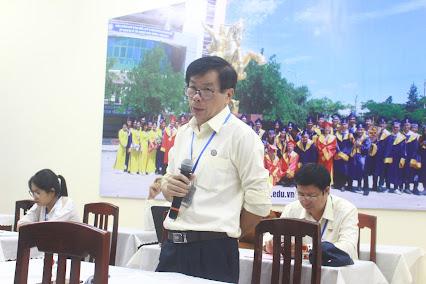 PGS.TS. Nguyễn Đình Phư phát biểu ý kiến