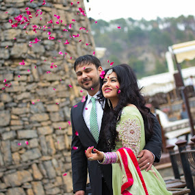Couple Shot by Awais Javed - People Couples ( rose, wedding, couple, flowers, shot )
