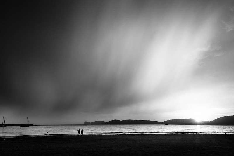 Nubifragio su Capocaccia al tramonto di Raffaele Laterza
