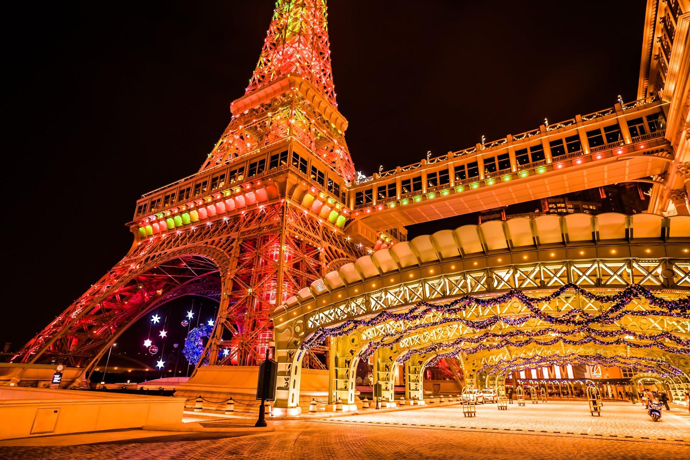 Parisian Macao Eiffel Tower light-up4