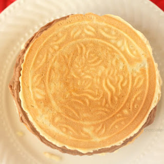 Pizzelles (Italian Wafer Cookies)