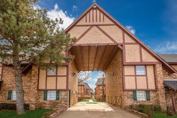 Go to Tudor Crossing Apartments website