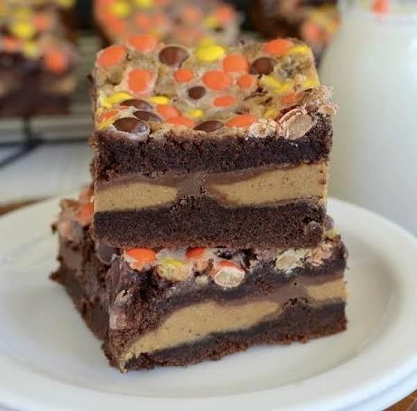 Reese Gooey Cake Bars