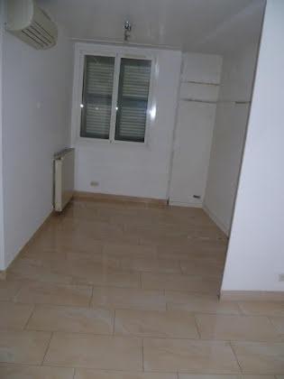 Location appartement 2 pièces 68 m2