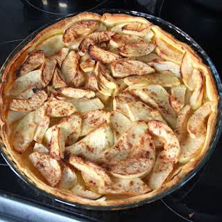 Classic Apple Cinnamon Tart (Classique Tarte aux Pommes et Cannelle).