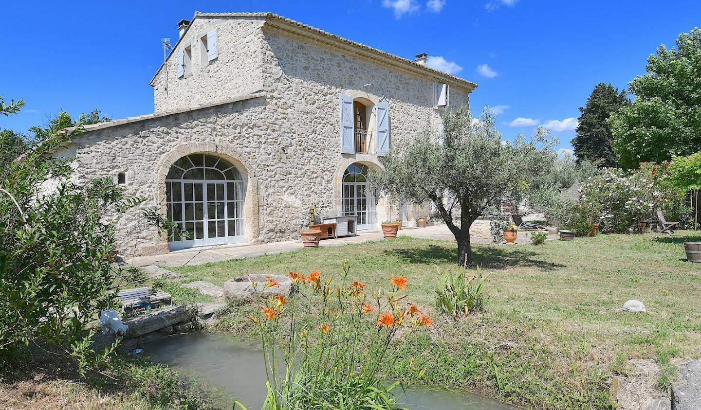 Property with pool Cavaillon