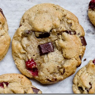 (Fresh) Cranberry Chocolate Chunk Brown Butter Cookies