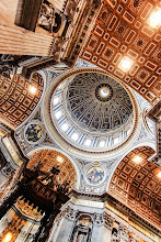 Photo: Szent Péter-bazilika fatrónussal