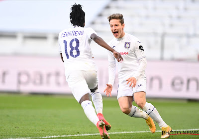 Anderlecht donne une leçon de football à l'Antwerp et intègre le top 4 avec la manière