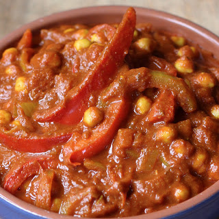 Chickpea and Red Pepper Curry [Vegan, Gluten-Free].