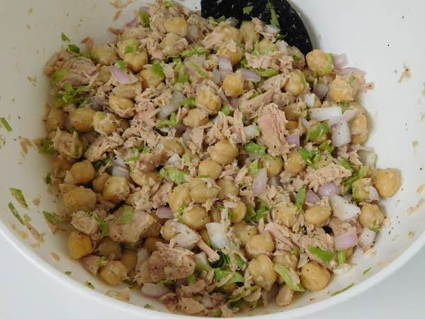 White Bean & Tuna Salad Recipe