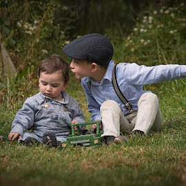 Siblings Moments  by Andrius La Rotta Esquivel - Babies & Children Children Candids ( fotógrafo, bogota, photo, fotografía, children candids, photography, colombia, children photography,  )