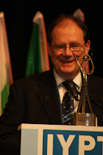Photo: Председатель оргкомитета международного турнира юных физиков Алан Алансон (Австралия)
