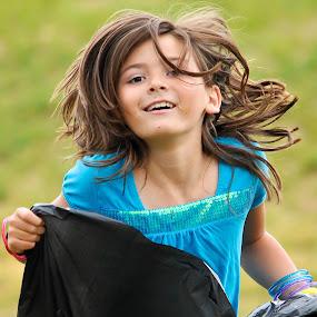 Sack racing by Rob & Zet Sample - Babies & Children Children Candids ( KidsOfSummer )