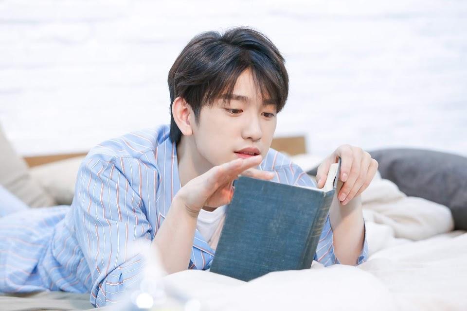 jinyoungboyfriend_12a