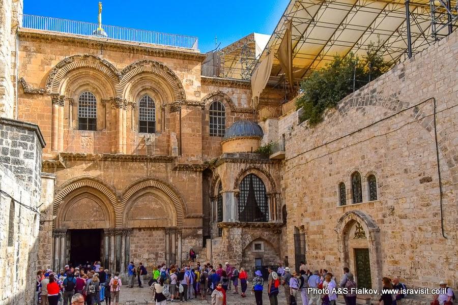 Храм Гроба Господня. У входа. Старый город Иерусалима.