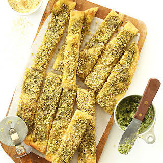 Vegan Pesto Parmesan Breadsticks.