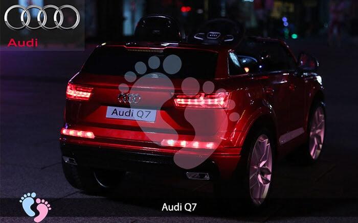 Oto điện Audi Q7 dành cho bé yêu 11