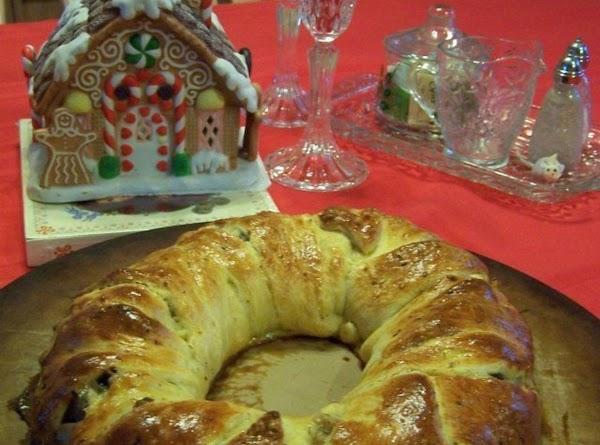 Turkey Leftovers Crescent Roll Wreath Sandwich Recipe