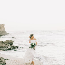 Wedding photographer Dmitriy Kapitonenko (Kapitonenko). Photo of 24.11.2017