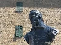 Il monumento a Giovan Domenico Peri (1911) di Vincenzo Jerace ad Arcidosso