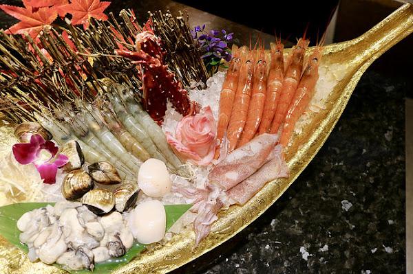 小鮮肉涮涮屋,土豪級黃金海鮮拼盤,滿滿一船爽度爆表!永春站火鍋推薦