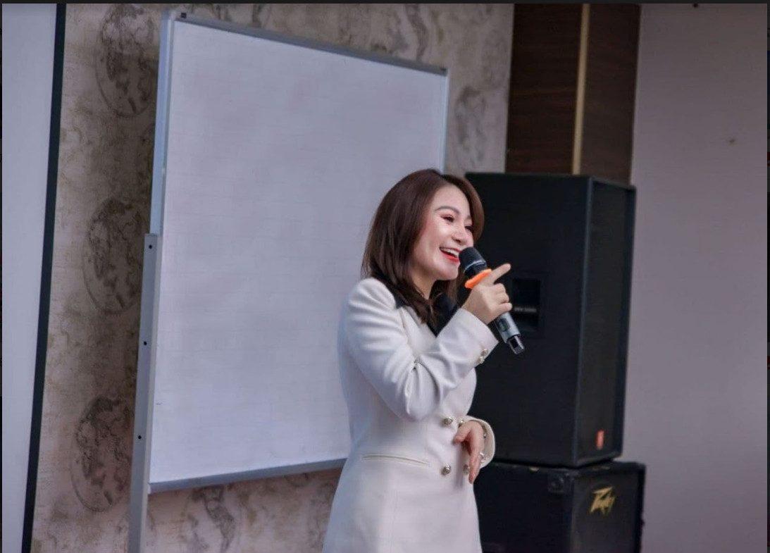 Bà Vũ Thị Thúy