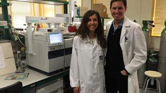 Simona Gherghel y Javier Arrebola, coautores de la técnica.